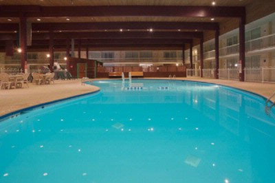 Large Indoor Pool 7 of 11