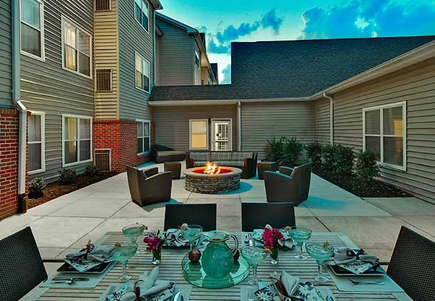 Outdoor Entertaining/ Grill 7 of 8