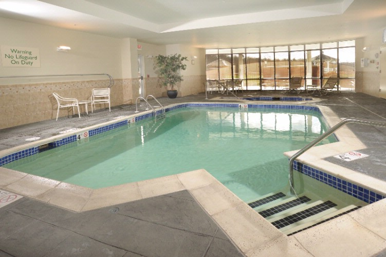 Indoor Pool And Hot Tub. 13 of 15