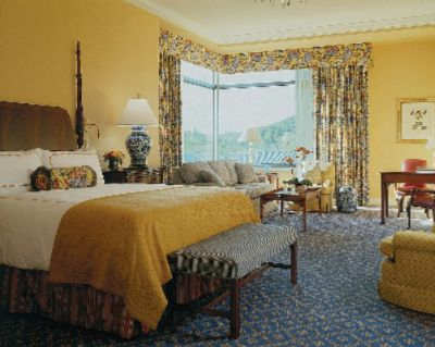 The Ultimate Sleep In Your Choice Of 269 Guest Rooms Or Suites 4 of 16