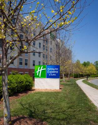 Holiday Inn Express & Suites Huntersille Birkdale