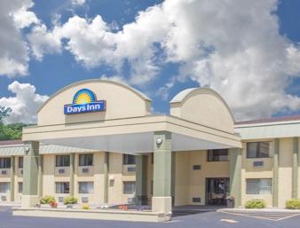 Days Inn Portage 1 of 13