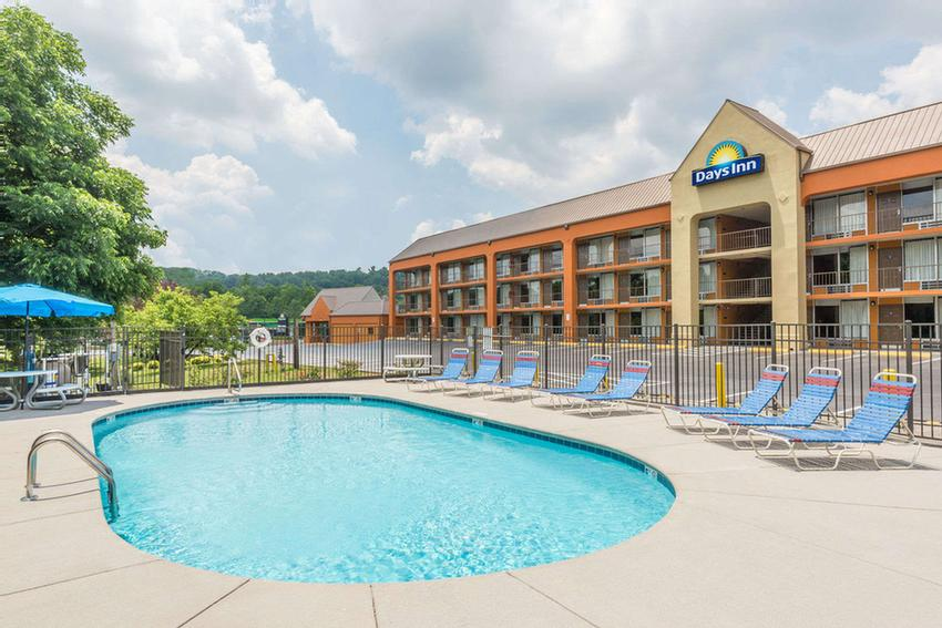 Days Inn Knoxville East 1 of 9