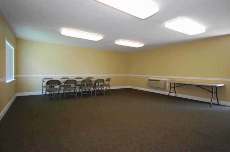 Meeting Room (580 Sq.ft.) 8 of 11