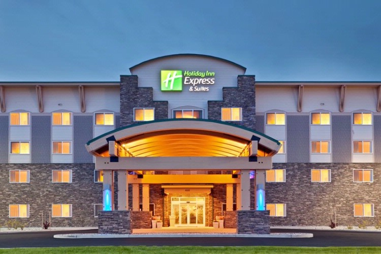 Welcome To The Holiday Inn Express & Suites Fairbanks! 2 of 9