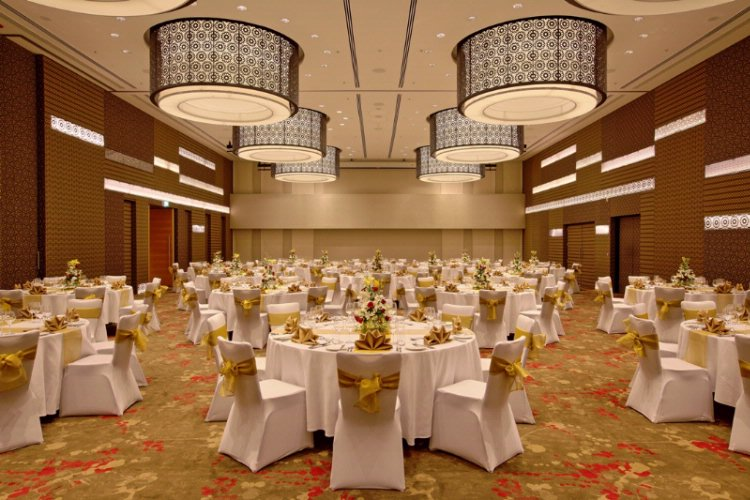 An Elegantly Designed Ballroom Accommodating Upto 450 Guests 3 of 19