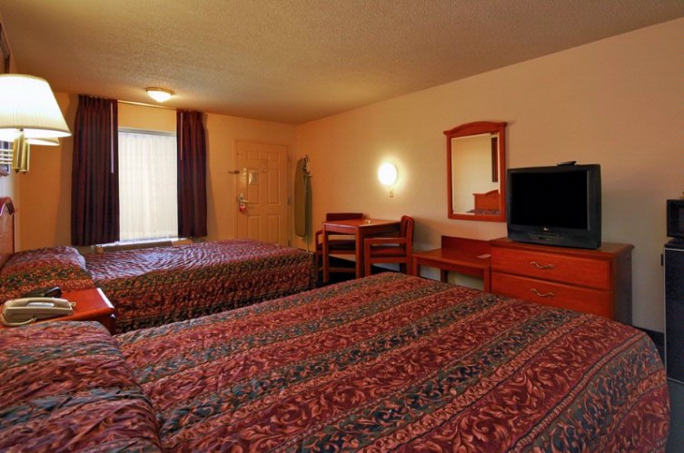 2 Queen Beds Guest Room 3 18 of 19