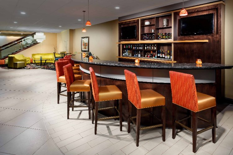 Lobby Bar -Hosting Our Mid-Week Wednesday Manager\'s Reception 8 of 11