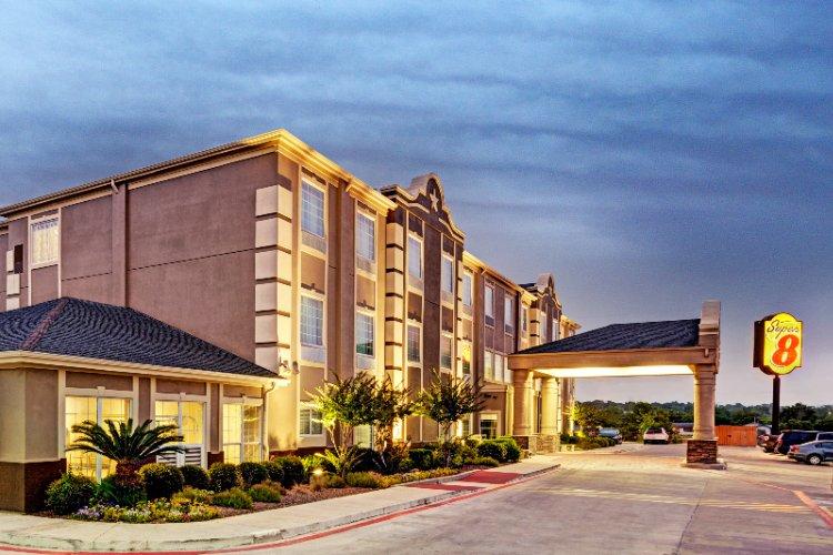 Super 8 San Antonio Near Alamodome 723 Hotwells Blvd Tx 78223