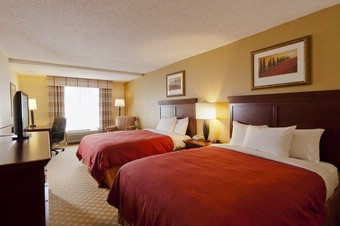 Country Inn & Suites Atlanta Airport South 1 of 10