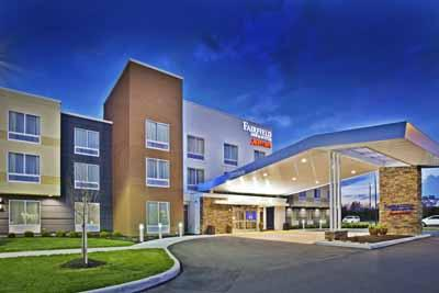 Fairfield Inn & Suites by Marriott 1 of 8