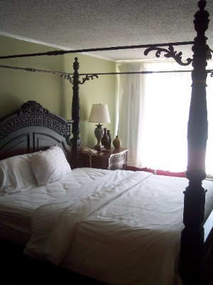 Deluxe King Room 4 of 7