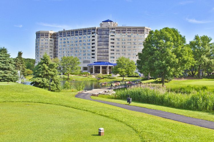 Hilton Chicago / Oak Brook Hills Resort 1 of 15