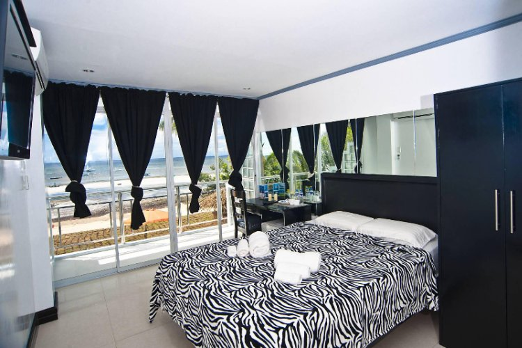 2nd Floor Ocean View Deluxe Room 6 of 11
