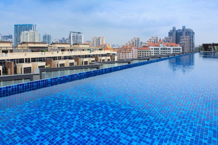 Roof Top Pool 5 of 10