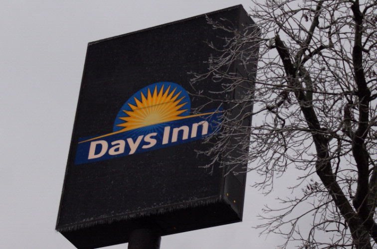 Days Inn Pensacola North 1 of 7