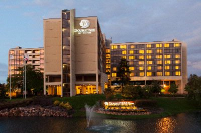 Image of Doubletree by Hilton Chicago Oak Brook
