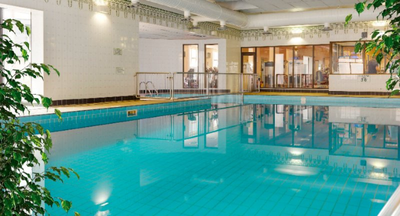 16m Indoor Swimming Pool 16 of 18