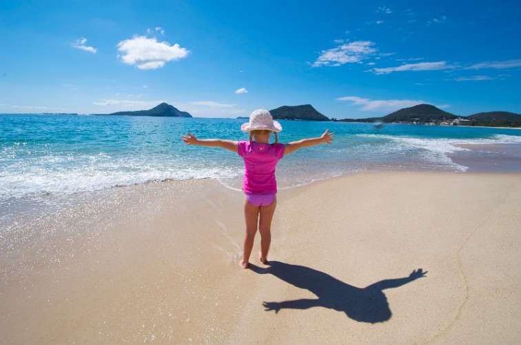 Shoal Bay Beach -5 Minutes Walking Distance 8 of 12