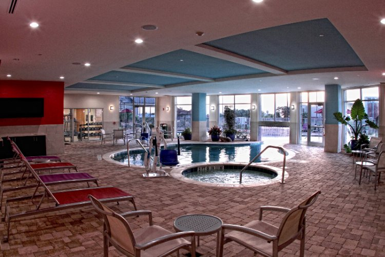 Indoor/outdoor Pool 12 of 21