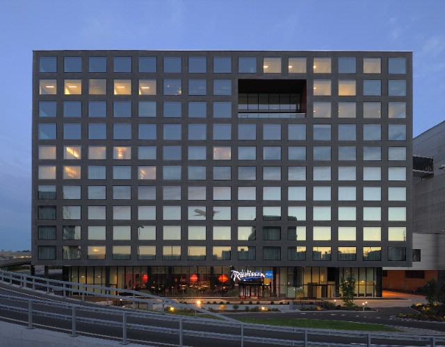 Radisson Blu Hotel Zurich Airport 2 of 9