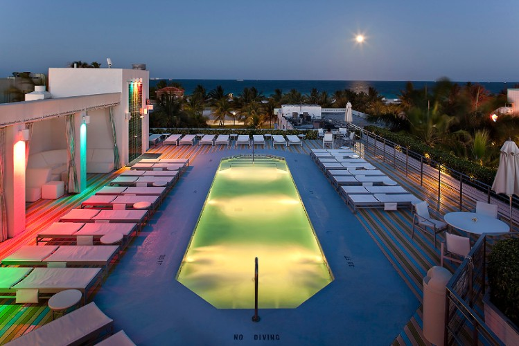 Roof Top Pool Night Time 4 of 11