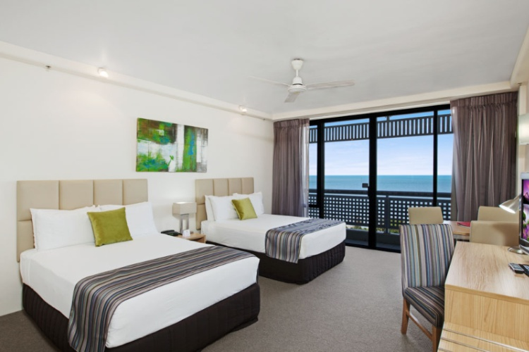 Rydges Esplanade Resort Cairns 1 of 14