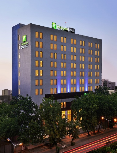 Holiday Inn Express Ahmedabad 1 of 6