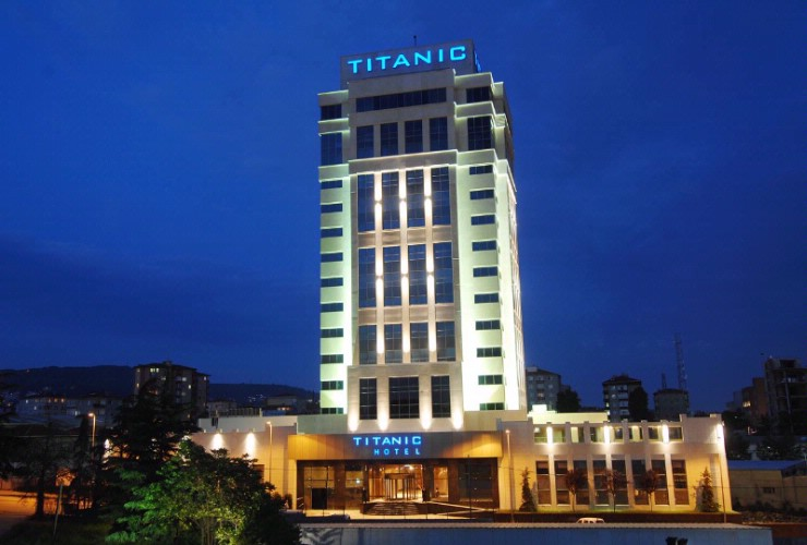 Titanic Business Kartal 1 of 7