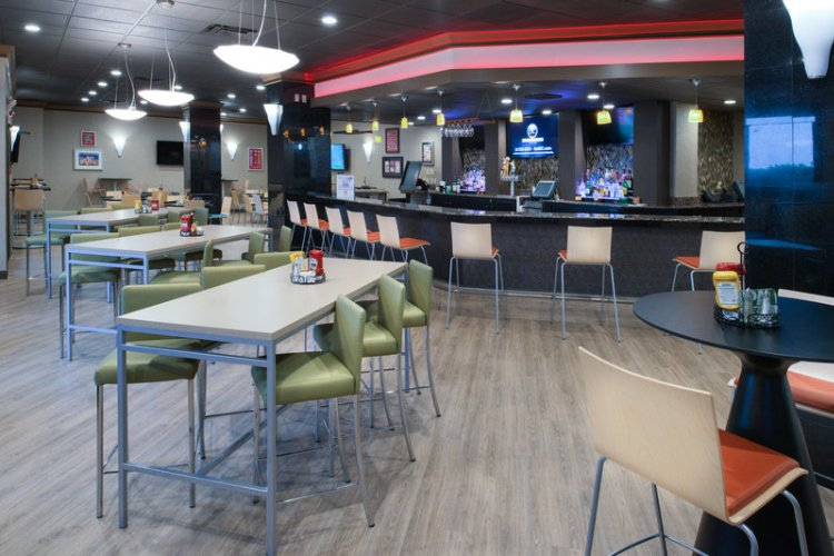Enjoy Breakfast Lunch & Dinner In Our New Hall Of Fame Sports Bar 9 of 13