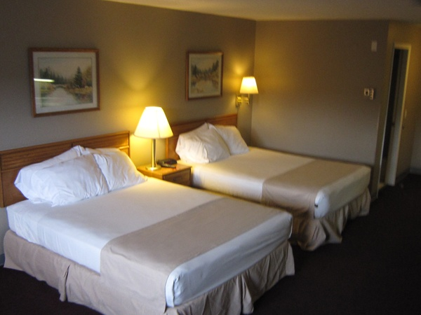 Rooms With 2 Queen Beds 5 of 8