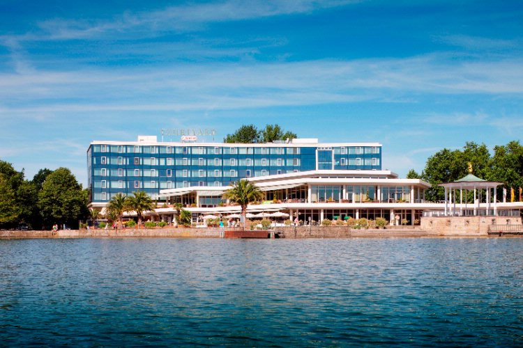 Courtyard by Marriott Hannover Maschsee 1 of 16