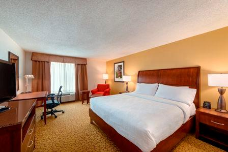 Great Rest Is Guaranteed In Our Traditional Guest Rooms With King Sized... 9 of 16