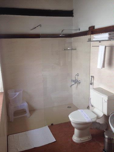 Shower Area 7 of 10