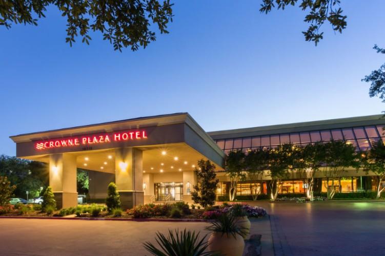 Crowne Plaza Dallas Near The Galleria Addison 14315 Midway Rd Tx 75001