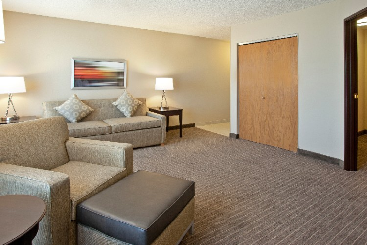 Featuring Our 2 Rm King Sized Guest Suite Great For Exteneded Stays. Suites Also Feature A Wet Bar Including Sink Microwave And Refridgerator. 8 of 19