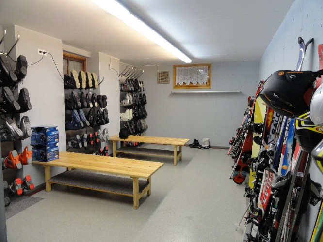Ski Room With Shoes Heater 5 of 15