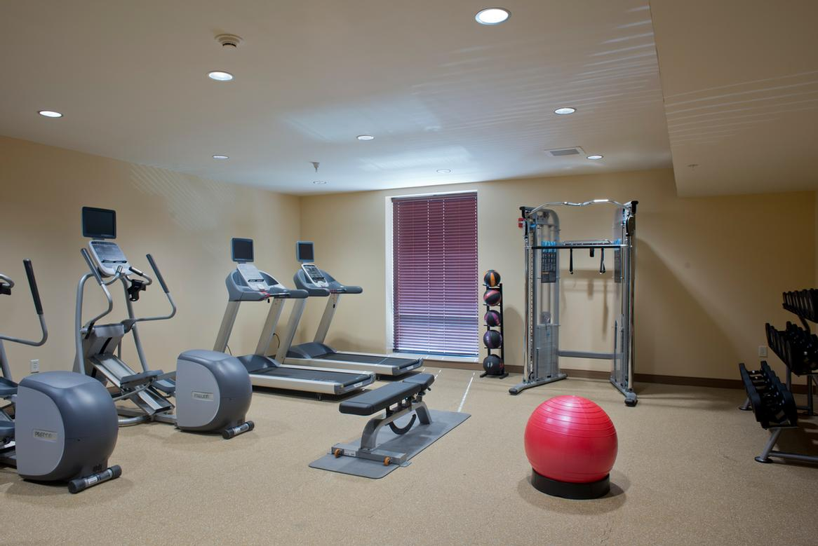 Fitness Center 6 of 30