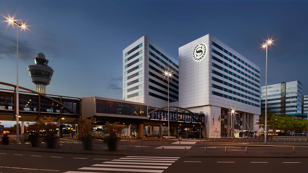 Sheraton Amsterdam Airport Hotel & Conference Cent 1 of 11