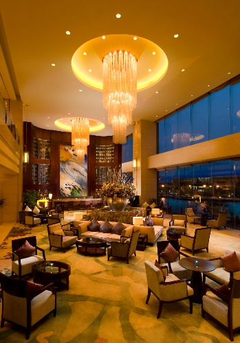 Lobby Lounge 8 of 16