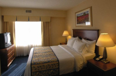 Residence Inn Chesapeake Suite 8 of 14