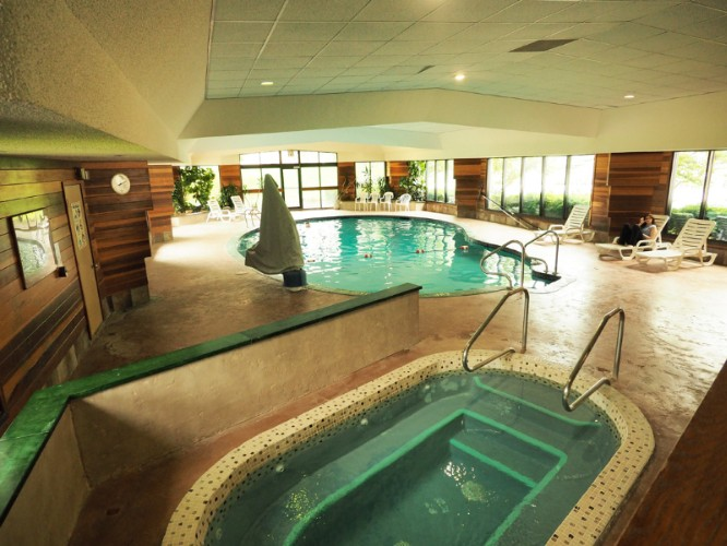 Indoor Heated Pool Jacuzzi Sauna 13 of 13