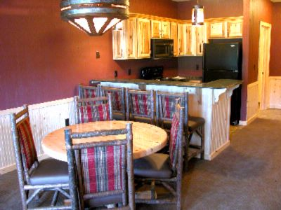 2 Bedroom Deluxe Glacier Canyon Lodge 7 of 11