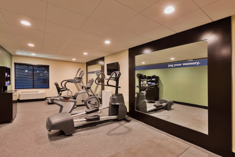 24 Hour Fitness Center 10 of 16