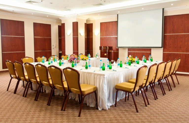 Retaj Al Rayyan Al Diwan Meeting Room-79 4 of 25