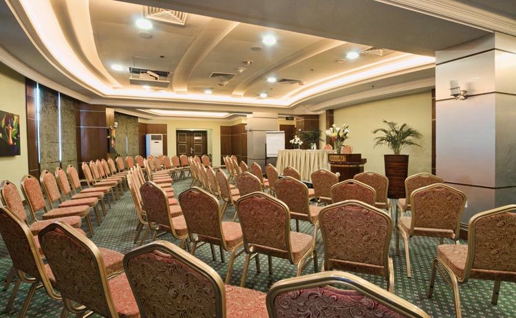 Retaj Al Rayyan Al Muzun Meeting Room 7 of 25