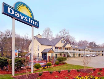 Days Inn Canton 1 of 8