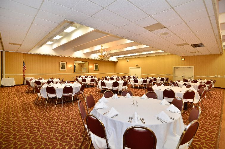 Banquet Room 13 of 13