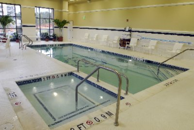 Sheraton Bwi Indoor Pool 9 of 10