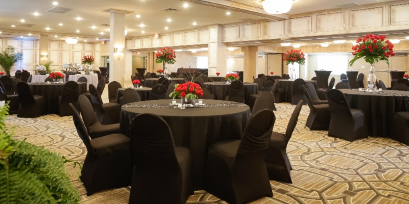 Our Ballroom Is Perfect For Large Functions 17 of 29
